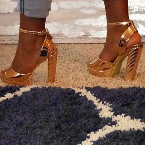 Pretty Little Thing Women's Chunky Heel Sandal
